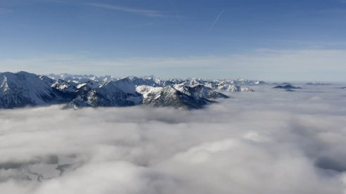 704994019-foehn-wind-zugspitze-panorama-of-the-alps-sea-of-clouds